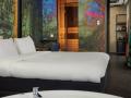 Inntel-Hotels-Amsterdam-Landmark-Wellness-Suite-whirlpool-sauna-en-king-size-bed_-1030x687